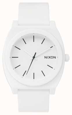 Nixon タイムテラーp  マットホワイト 白いシリコンストラップ 白い文字盤 A119-1030-00